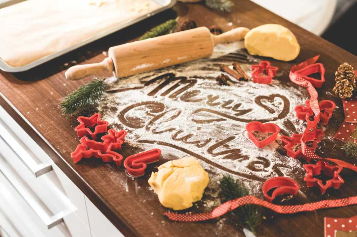 merry-christmas-food-lettering-free-image